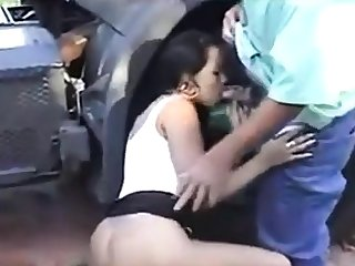 Old trucker enjoyment from young girl part1