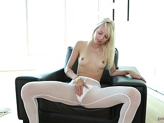 Kermis Sierra Nevadah pleases a friend by fucking with him hard