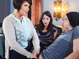 Randy mom feel sorry a gift to her grungy pussy