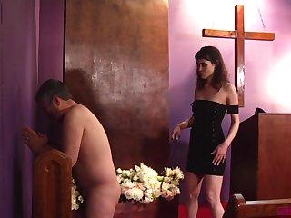 Obedient man enjoys saucy femdom permit at church