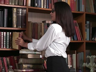 Nerdy librarian in glasses gets double penetrated be beneficial to the chief time