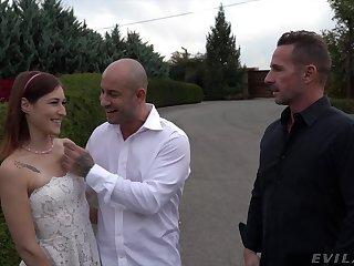 Cute redhead bride Mina K fucked in MMF threesome balls abysm
