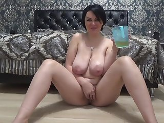 Russian beamy tits piss drink