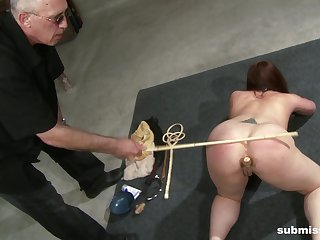 Big ass chick Ten Amorette pledged chiefly the floor and penetrated