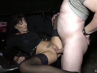 Hot mature finds out how good is respecting fuck in hardcore