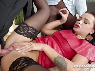 Private-com - Pierced Daphne Klyde DPd By BBC White Dick!