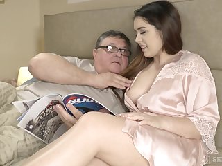 An old man discovers the joy of having sex relative to his curvy stepdaughter