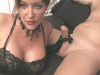 Horn-mad wife of mine is usurp right away she gives me a good blowjob