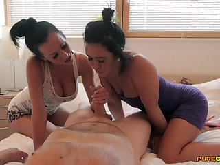 Sexy MILFs share a dick in a splendid judiciary experience