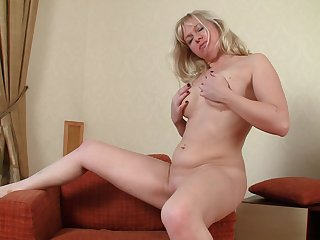 Mature wife Katya Gannau drops her miniskirt near masturbate