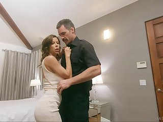 Honcho pornstar spliced Alexis Fawx gives head and gets fucked good