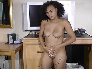 Hawaiian Hottie Dances Nude And Erotic For You