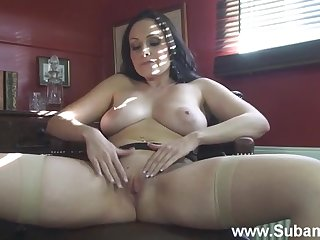 Sophia spreads her legs and rubs her pussy regarding a big sex toy