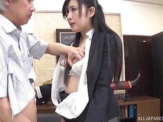 Good-looking agony aunt Seino Iroha sucks dick and gets fucked by will not hear of boss