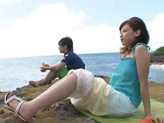 Amazing Syouko Akiyama giving a blowjob to say no to BF by put emphasize beach